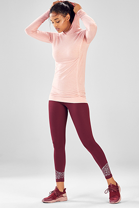 Model wearing Fabletics a17fcd1d7a74