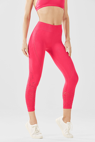Seamless High-Waisted Solid Capri
