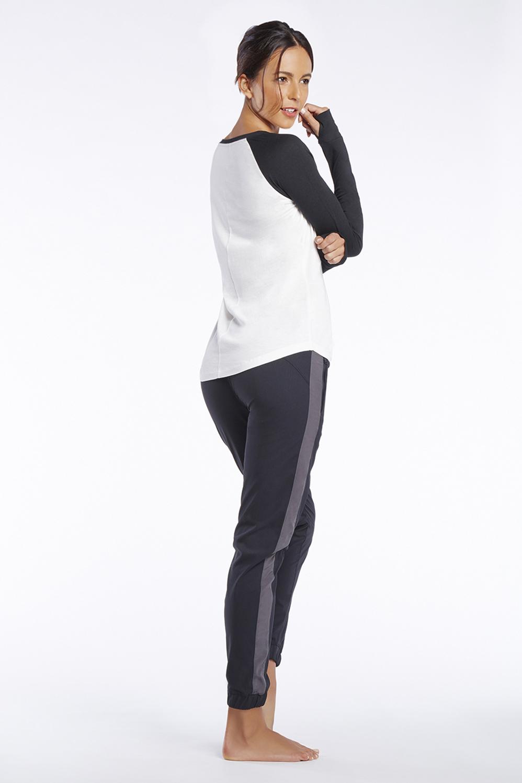 tenue frosty tenue tenues de sport fabletics. Black Bedroom Furniture Sets. Home Design Ideas