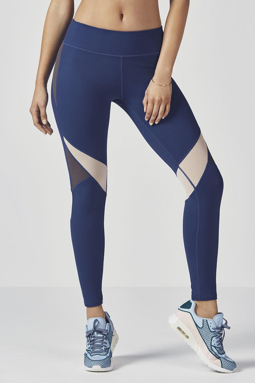 Vivian tenue tenues de sport fabletics for 998 haute compression